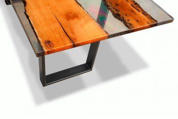 Tavolo Lebric realizzato in resina epossidica - Berloni Fabio